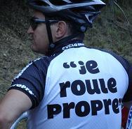 Actie tegen weggooien afval, rechts fietsen en tegen doping